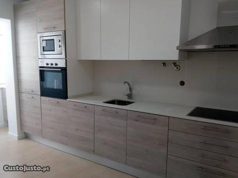 T2+1 Duplex remodelado - Alto do Seixalinho