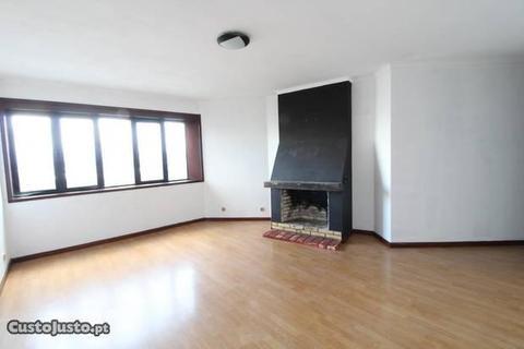 Apartamento T1 - St. Maria Maior RefªA-01816