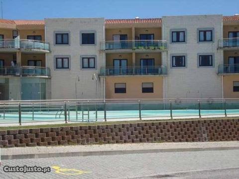 Apartamento em condominio fechado com piscina
