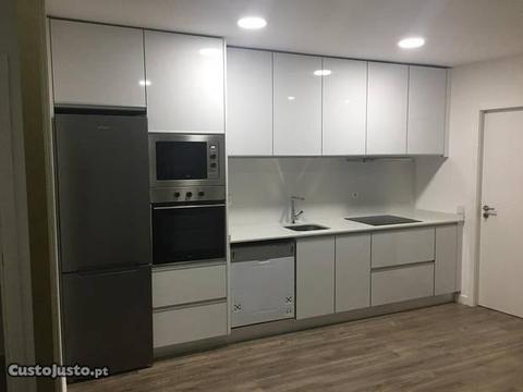 Apartamento T1+1 costa cabral