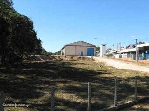 Pavilhão Industrial e Terreno