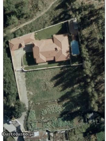 Moradia térrea com piscina em Alfena