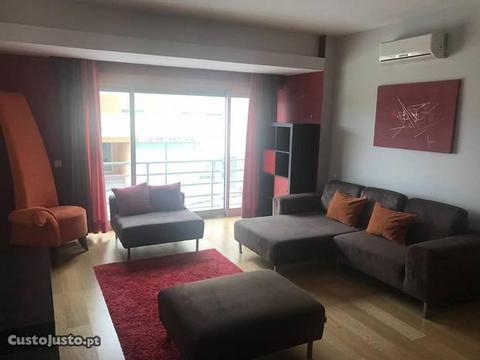 Apartamento T1 + Escritorio + Garagem + Mobilado