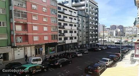 Apartamento t4 alvalade (remodelado)