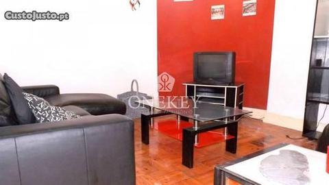 Apartamento T4 mobilado e equipado Ref. G146