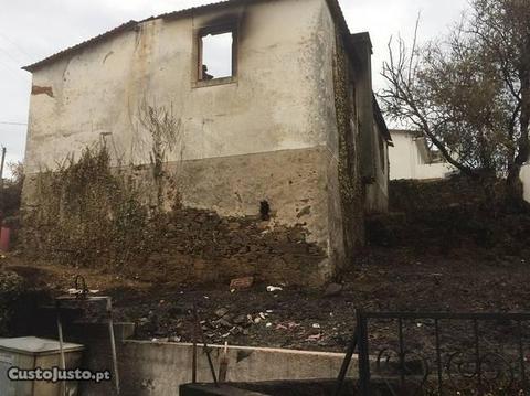 Casa queimada Sarzedas São Pedro