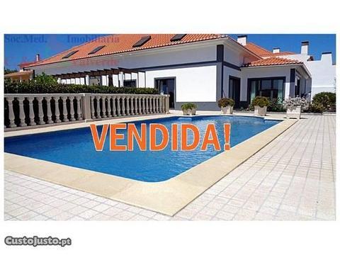 Moradia T4+1 Com Piscina ,Garagem , Jardim , Te