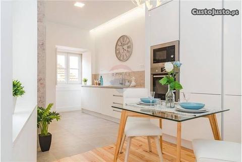Apartamento T3 Remodelado Calçada de Santana