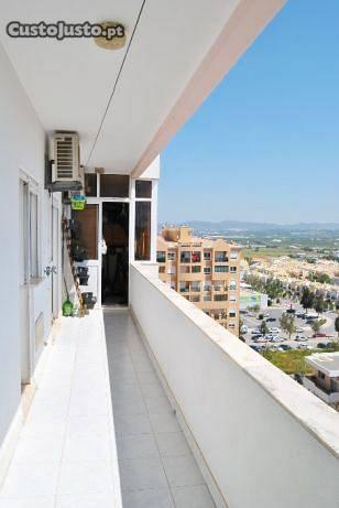 Apartamento T2 + Mobilado + Espaço Garagem (Faro