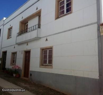 Moradia com potencial- aldeia (Cachopo)- Algarve