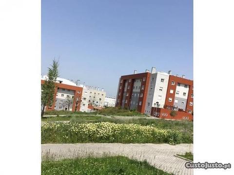 Apartamento T2- Serra de Carnaxide (ag4607)