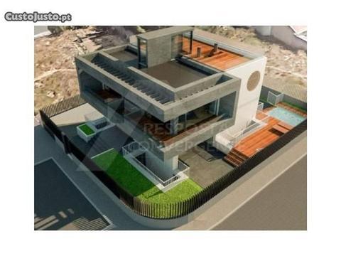 Terreno Urbano Com Projecto Para Moradia De Lux
