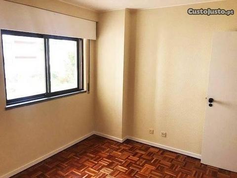 Apartamento T1 no Centro do Funchal!