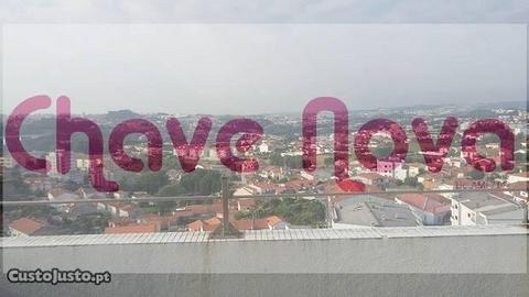 T2 no último piso em Oliveira do Douro