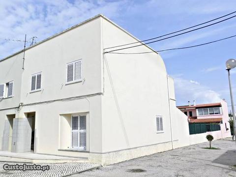 T4+1 Vila Nova da Caparica