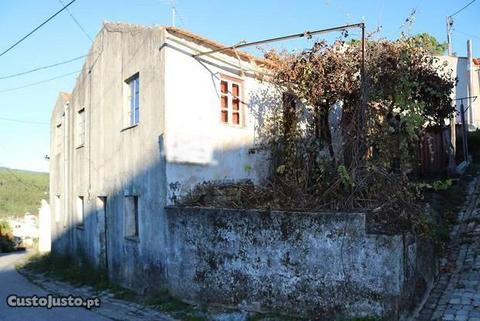 Casa rústica de aldeia para recupera, l