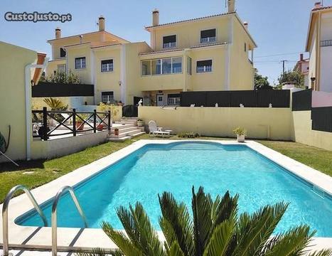 Moradia T4 com piscina e jardim