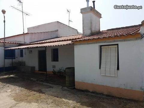 Moradia T2 c/ terreno em El Marco, La Codosera