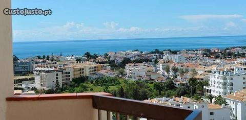 Apartamento de luxo com vista panorâmica do mar