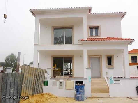 Moradia V3 em construção - Pataias