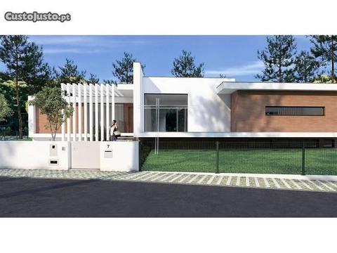 Moradia Isolada Térrea T5+2 Luxo- Piscina Salga
