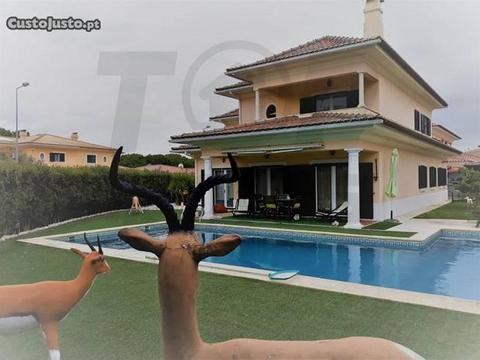 TOPMI55-Moradia T4 em Condomínio de Luxo