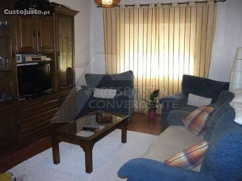 Apartamento T3 R/C Em Benavente