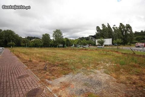 Terreno para construção em altura junto ao Estádio