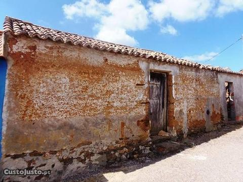Ruína em Zona Histórica de Cercal do Alentejo