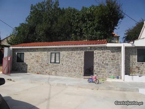 Moradia T3 remodelada em Vale de Carvalho
