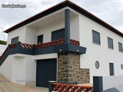 Moradia T3 +1 Como Nova , De Arquitectura Trad