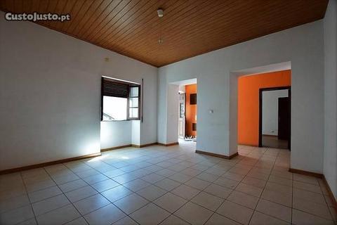 Imóvel de Banco - Moradia T3 com 140 m2 - Alvito