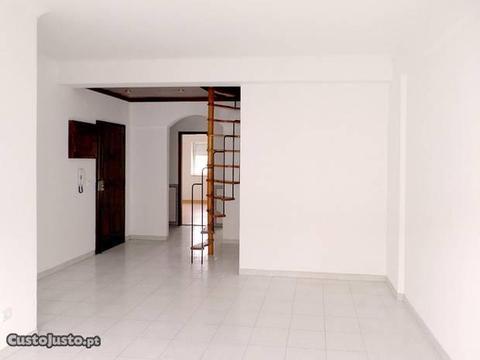 Apartamento T2+1, Brandoa, Amadora