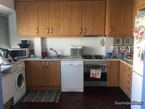 Apartamento T3 no Lumiar remodelado