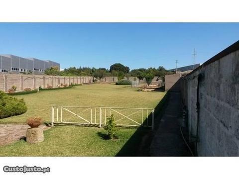 Moradia T3, com 4 Frentes, em Arcozelo, VNG