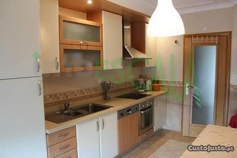 Apartamento Luxo no Cartaxo. Venha Visitar!