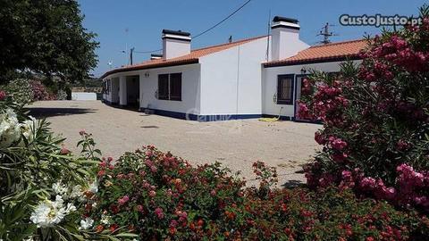 Quinta e Herdade 1449,00 m2