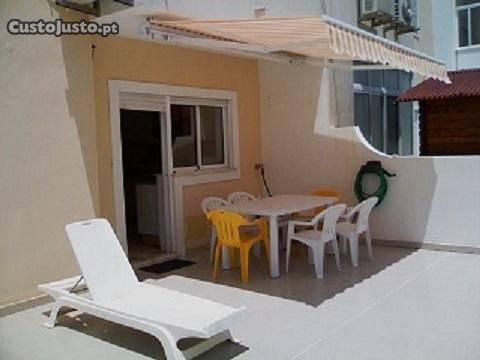 Armação de Pera, Apartamento com terraço