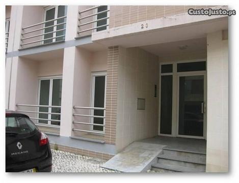 Apartamento T2 Qta. dos Pinheiros São Vicente