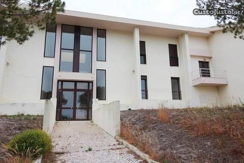 Excelente apartamento na Urbanização de Soltróia