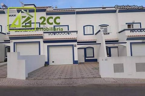Moradia T4 em Lagoinha, Altura, Algarve