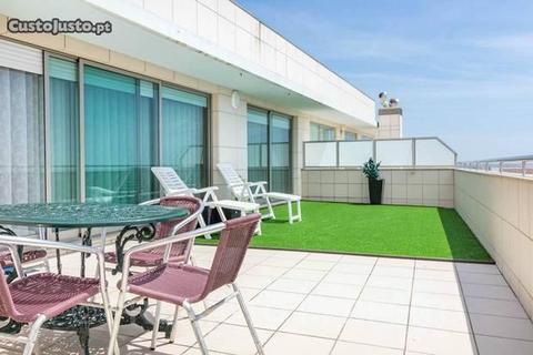 Apartamento T2 último andar com 2 terraços