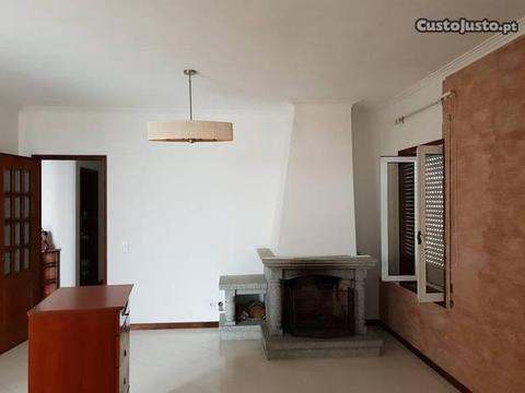 Apartamento T3 , como novo Mozelos Ref.267