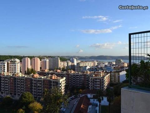 Apartamento T3 - Quinta Santo António, Vista Rio