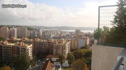 T3 luxo em Miraflores em Condomínio Fechado