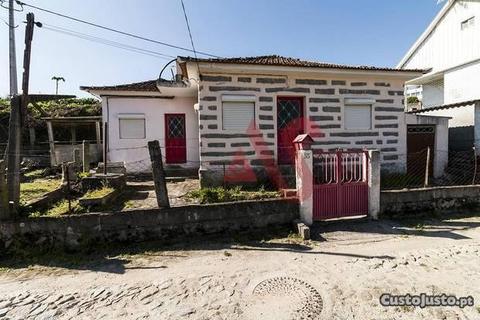 Moradia para Restaurar T2, Porto,