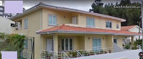Excelente moradia T3+1 de 2006 perto S.M.Feira