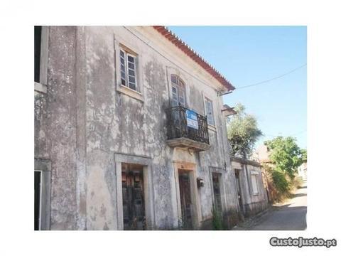Moradia Centenária - Avelar