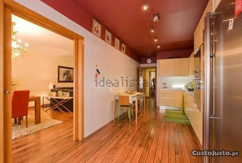 Apartamento T4 - Parque Luso - Condomínio privado