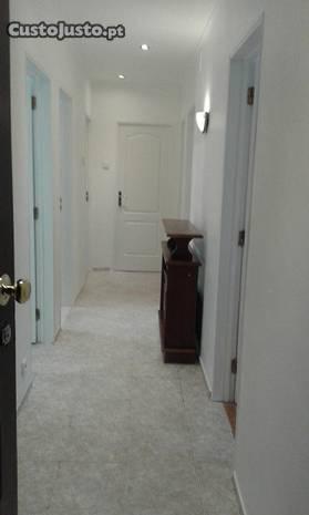 apartamento T3 centro da Brandoa